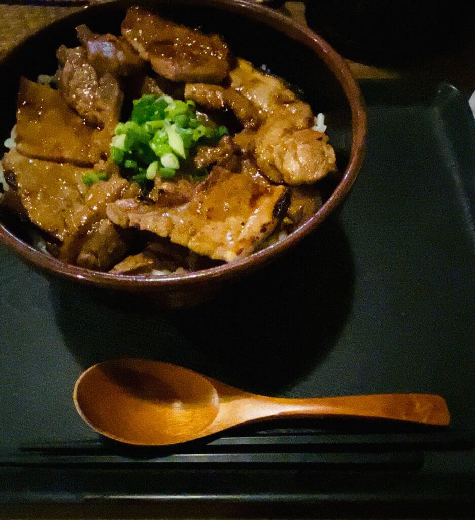 笑門(浜松市東区)の豚丼