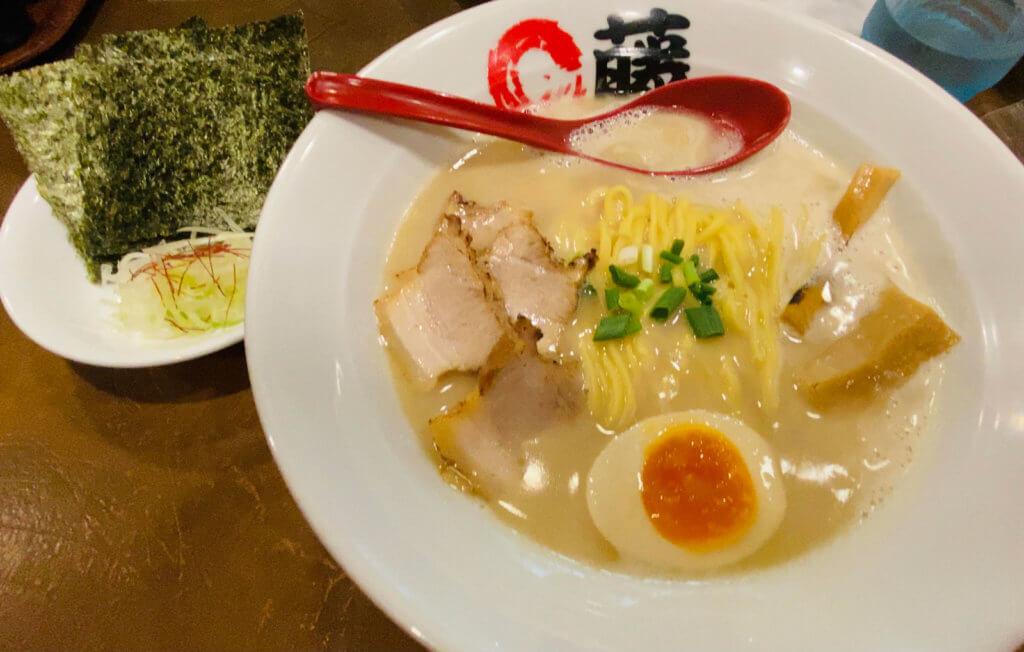 まる藤ラーメン(太麺)ノーマル