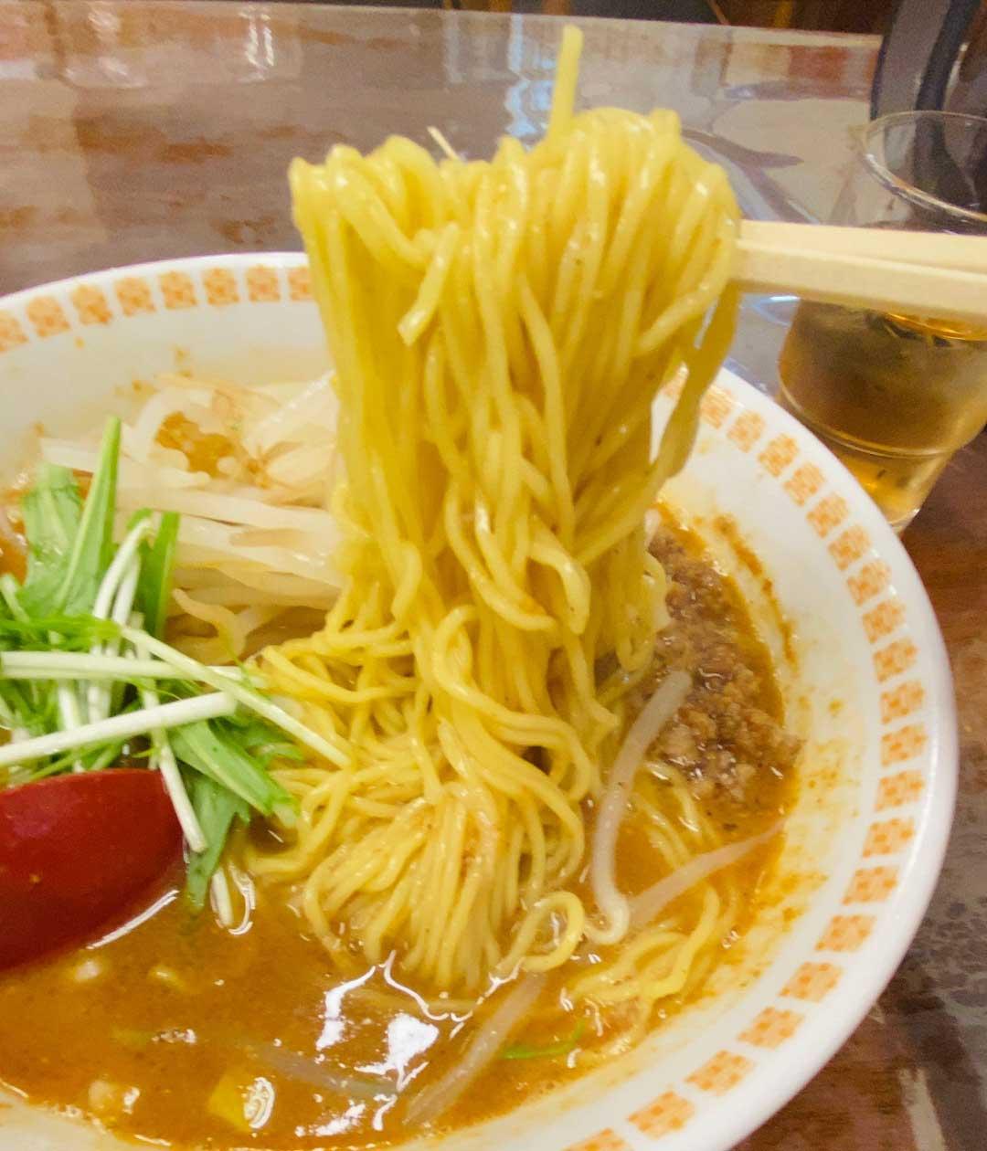 錦華楼の麺は細麺で柔らかめ、でもこれがいい