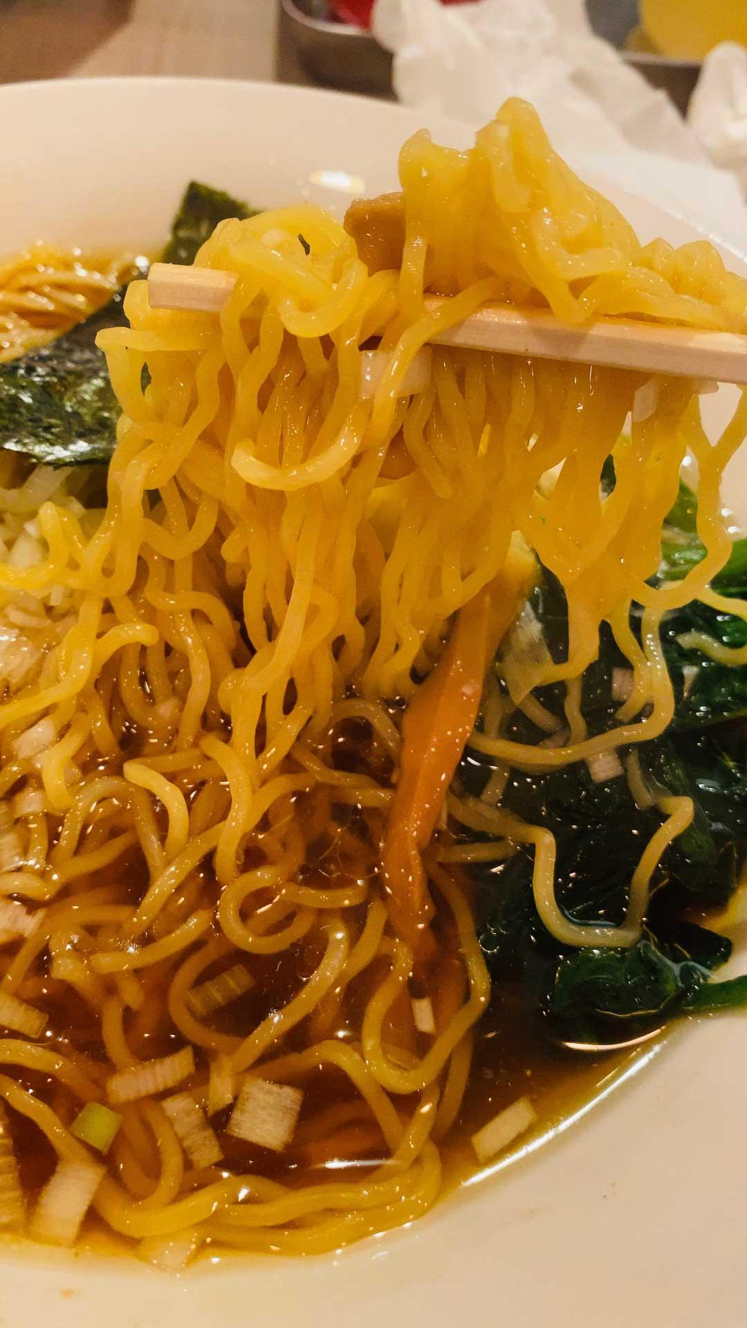 YAWARAの中華そばの麺