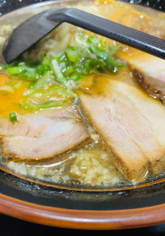 藍麻翔のチャーシューわんたん麺
