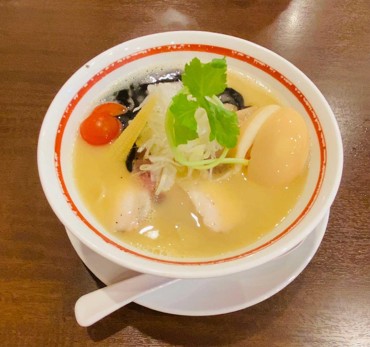 チャーシュー麺(鶏白湯)|らーめん親希
